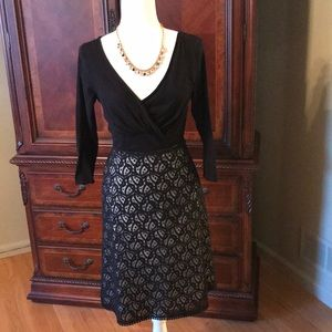 Beautiful Ann Taylor fully lined lace skirt
